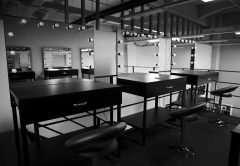 NS  7410 e14433776827141 240x166 - Столы для визажистов